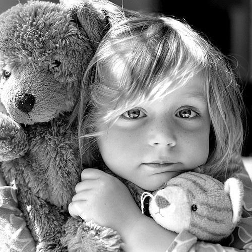b,w,child,cute,girl,sweet,bw-1987746121ad493357a4dbae40a96c20_h