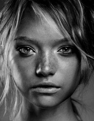 girl,gemma,ward,b,w,babe,beautiful,face,black,white-b2c5ff84bb3a8b0c672dd8837de74503_h