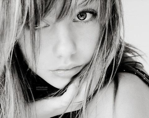 beauty,face,girl,hair,black,white,photography-df9d454b4b9ea7402d11352a6ed76853_h